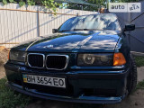 BMW 318i IS                                            1994