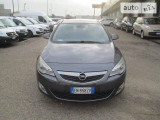 Opel Astra 2.0 AUTOMAT                                            2012