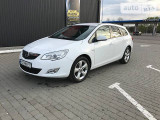 Opel Astra 2.0AT ST                                            2012