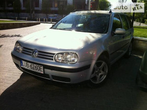 Продажа Volkswagen Golf за $2 350, г.Черновцы