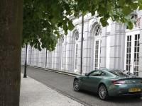 Aston Martin V8 Vantage photo