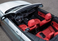 BMW 2 Series Cabriolet photo