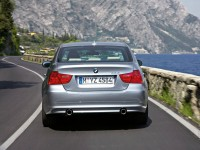 BMW 3 Series photo
