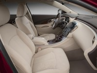 Buick LaCrosse photo