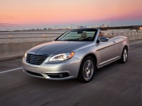 Chrysler 200 Convertible photo