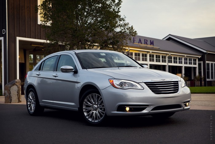 Chrysler 200 – фотография 1