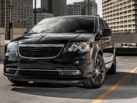 Chrysler Town&Country 2012 photo