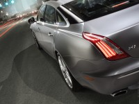 Jaguar XJ photo