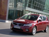 KIA Cee'd SW 2010 photo