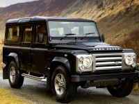 Land Rover Defender 110 photo