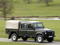Land Rover Defender 130 photo