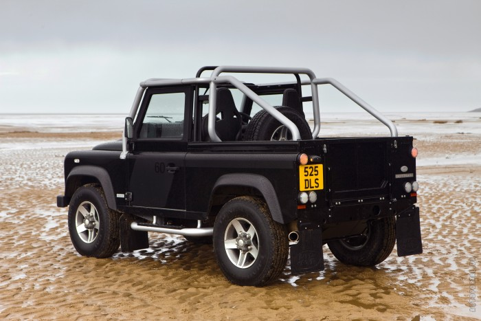 Land Rover Defender 90 – фотография 1