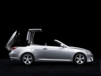 Lexus IS C photo