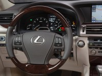 Lexus LS 2013 photo
