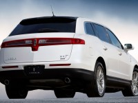 Lincoln MKT photo