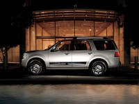Lincoln Navigator photo