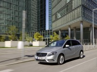 Mercedes-Benz B-Class photo