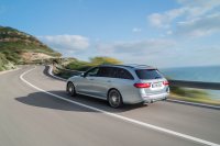 Mercedes-Benz E-Class Wagon photo