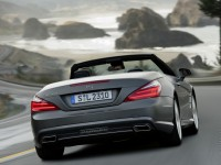 Mercedes-Benz SL-Class photo