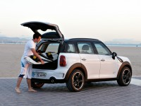 MINI Cooper S Countryman photo