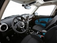 MINI One Countryman photo