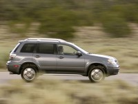 Mitsubishi Outlander 2003 photo