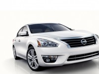 Nissan Altima photo