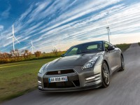 Nissan GT-R 2013 photo
