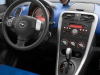Opel Agila photo