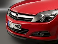 Opel Astra H GTC photo