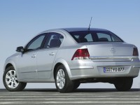 Opel Astra H photo
