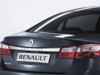 Renault Latitude photo