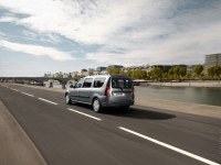 Renault Logan MCV 2008 photo
