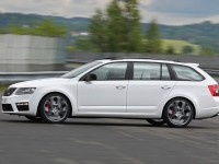 Skoda Octavia Combi RS A7 photo