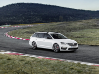 Skoda Octavia Combi RS A7 FL photo