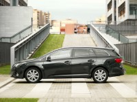Toyota Avensis Tourer photo