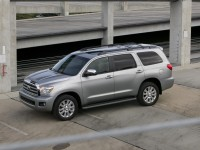 Toyota Sequoia photo