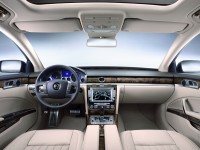 Volkswagen Phaeton 2010 photo