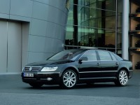 Volkswagen Phaeton 2002 photo
