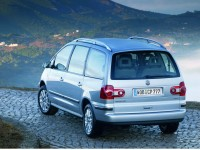 Volkswagen Sharan 2004 photo
