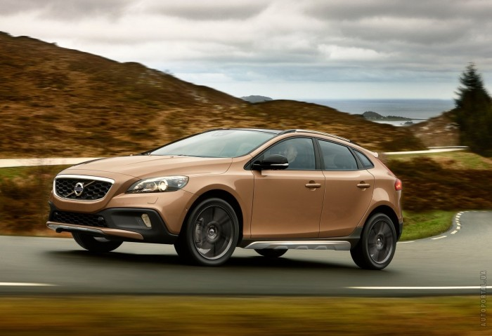 Volvo V40 Cross Country – фотография 1