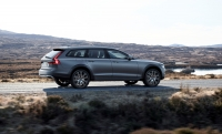 Volvo V90 Cross Country photo